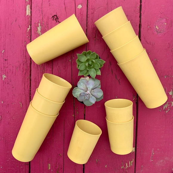 SOLD VTG 1970s Buttery Yellow Tumbler Set